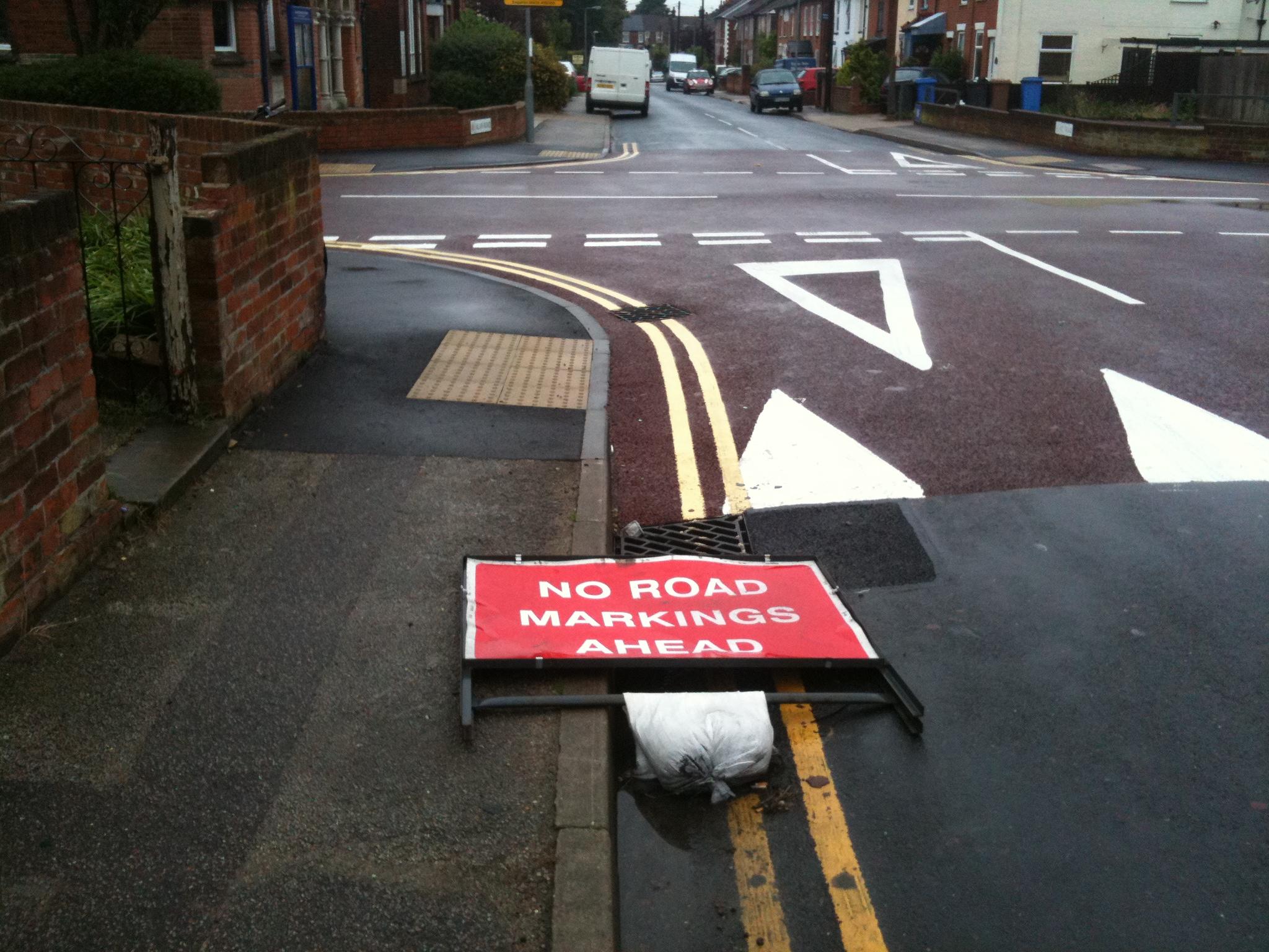 useless road user - 640×479