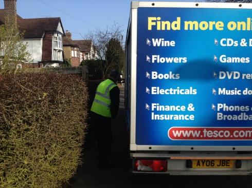Tesco delivery - no space between van and prickly hedge